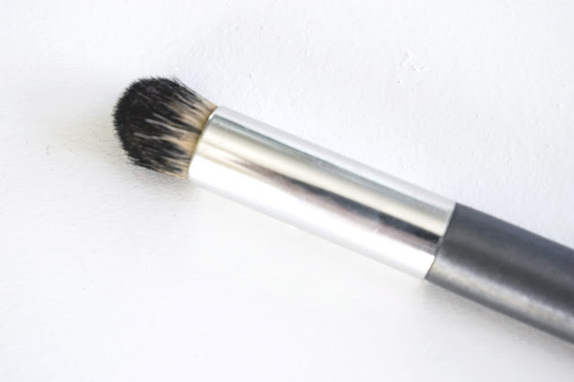 a picture of Up & Up Rounded Concealer Applicator