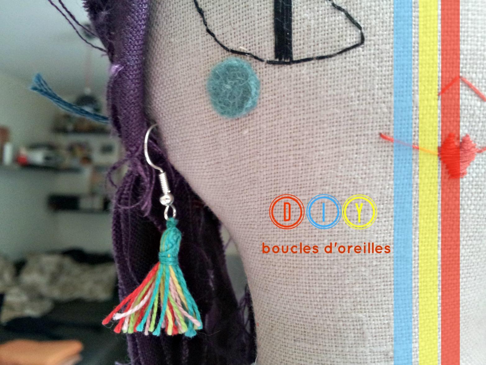 julie adore diy boucles d 39 oreilles pompons. Black Bedroom Furniture Sets. Home Design Ideas