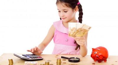 5 Tips Ajarkan Anak Kelola Uang Angpao Lebaran