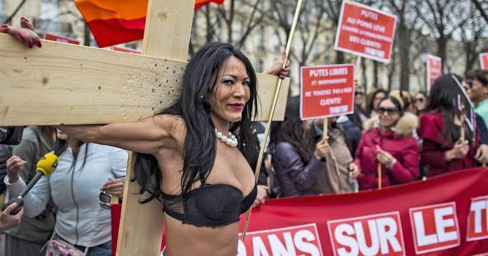 Сайты проститутки франции проститутки на троещине