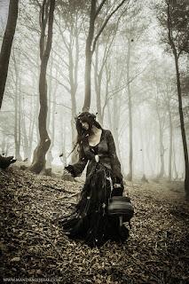 Forest Witch, Walpurgisnacht, May Eve, Sabbat, Aquelarre, Victoria Francés