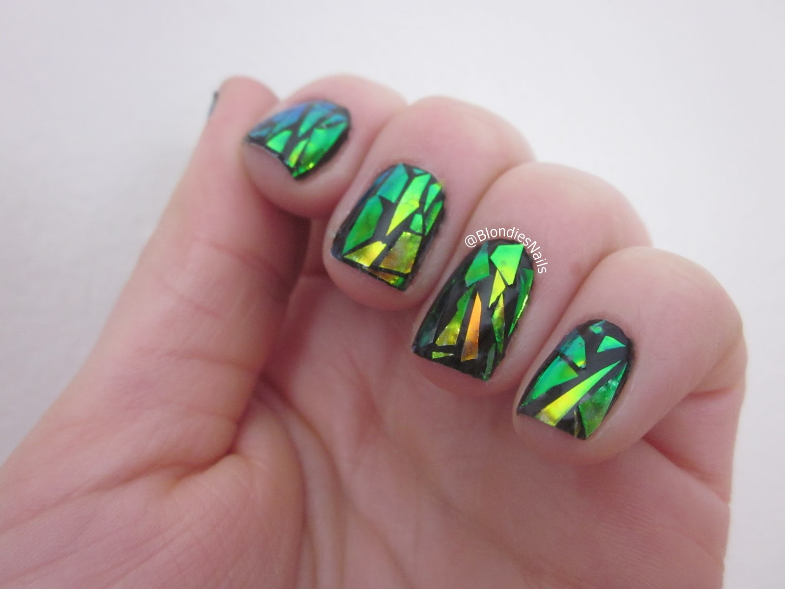 Blondie\'s Nails: Shattered Glass Nail Art - A Tell All Tale