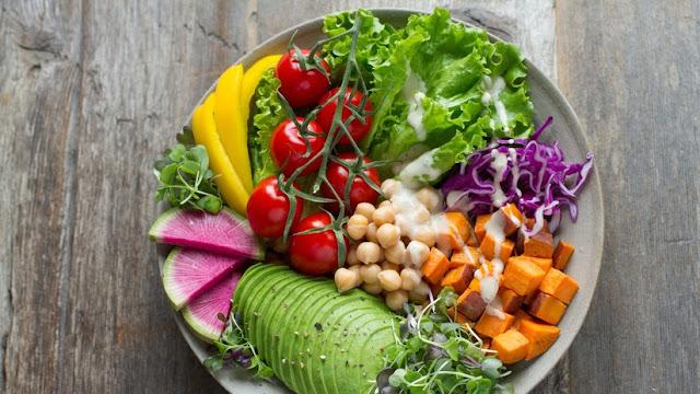 """La ONU advierte que la humanidad debe adoptar una dieta """"basada en plantas"""" para detener el cambio climático"""