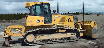 Deere dozer with scarifier