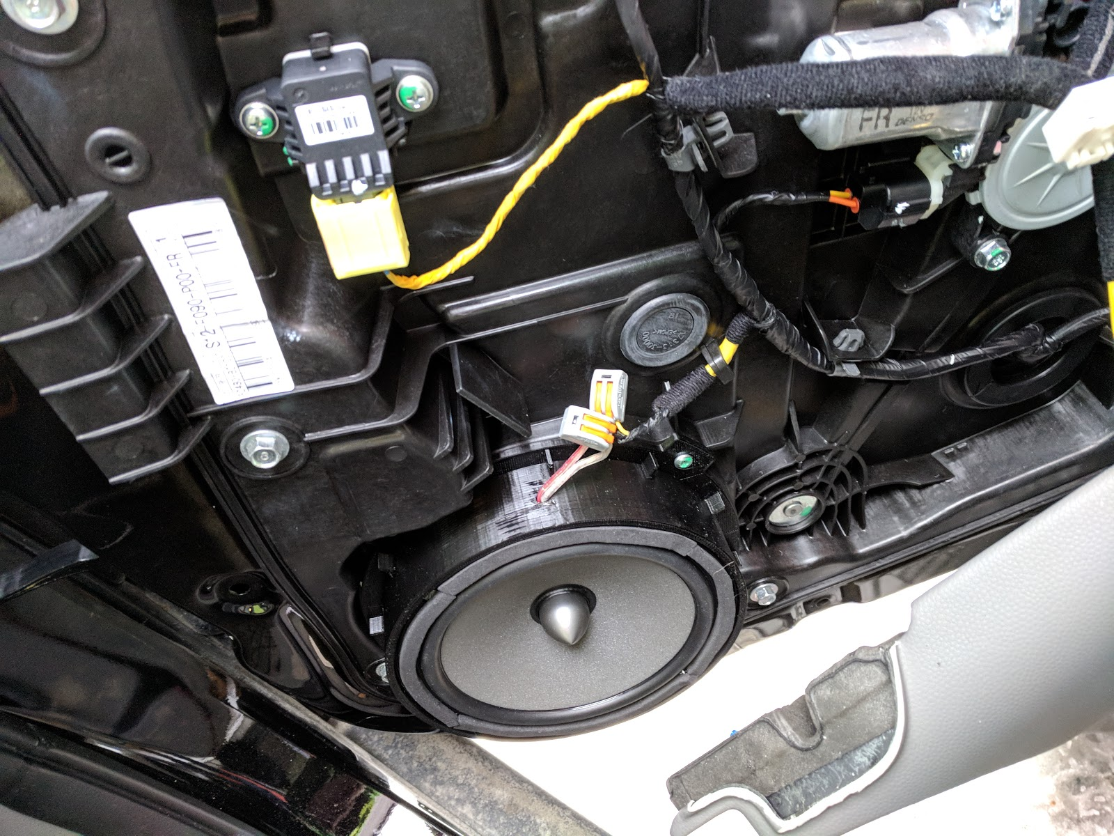 The Personal Webpage Of Ystein Kia Soul Ev Speaker Upgrade Stereo System Wiring I Put Adapters On Thingverse If Someone Wants To Do Same Guess It Will Fit All Kias With Original Woofer