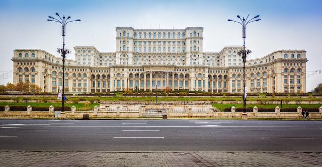 palazzo-parlamento-bucarest-poracciinviaggio