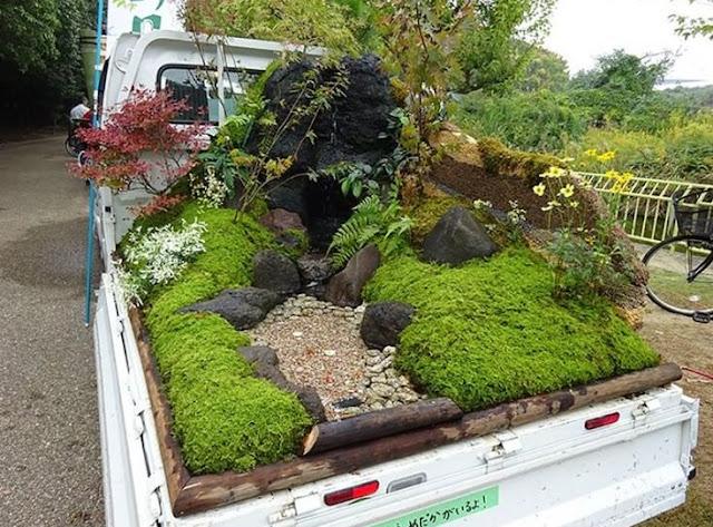 Melihat Keindahan Lanskap di Atas Mobil Pickup Jepang dalam Acara 'Key Truck Garden Contest'
