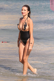 Catarina-Sikiniotis-in-Swimsuit-2017--09+%7E+SexyCelebs.in+Exclusive.jpg