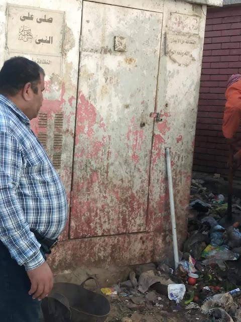 حملة نظافة مكبرة لرفع القمامة بشوارع حى غرب سوهاج .. صور