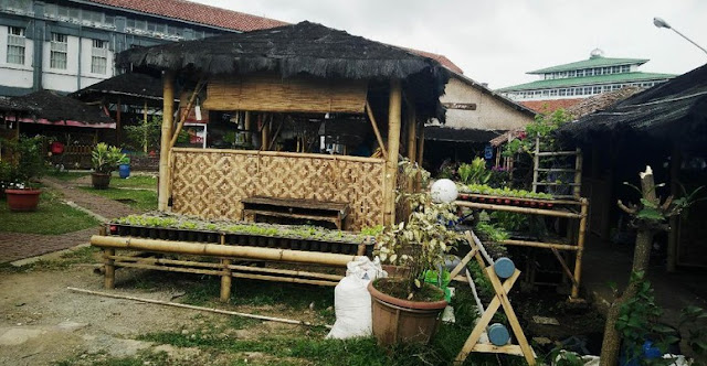 Saung 'Elite' Sukamiskin: Dibangun Napi, Dibongkar Petugas