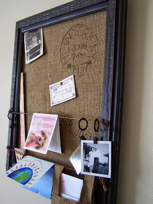 memo boards http://bec4-beyondthepicketfence.blogspot.com/2014/08/super-mom-keeping-it-organized-this.html