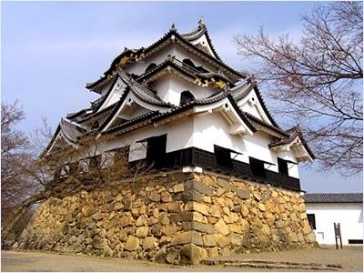 ปราสาทฮิโกเน่ (Hikone Castle)