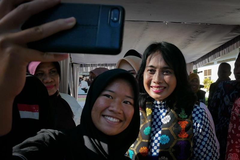Menteri PPPA : Orangtua, Pahami dan Diskusikan Media Sosial dengan Anak