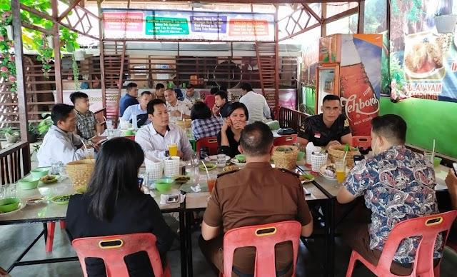Penyidik Satres Narkoba Polres Labuhanbatu Makan Siang Bersama Dengan JPU Rantauprapat