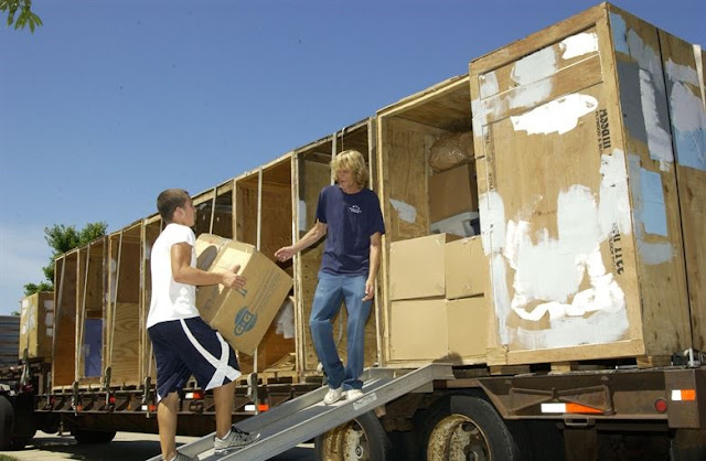Why Hire A Removalist For Relocating to a New Place: Risk