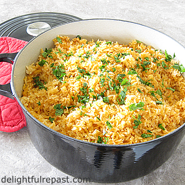 Restaurant-Style Mexican Rice - Oven Method / www.delightfulrepast.com