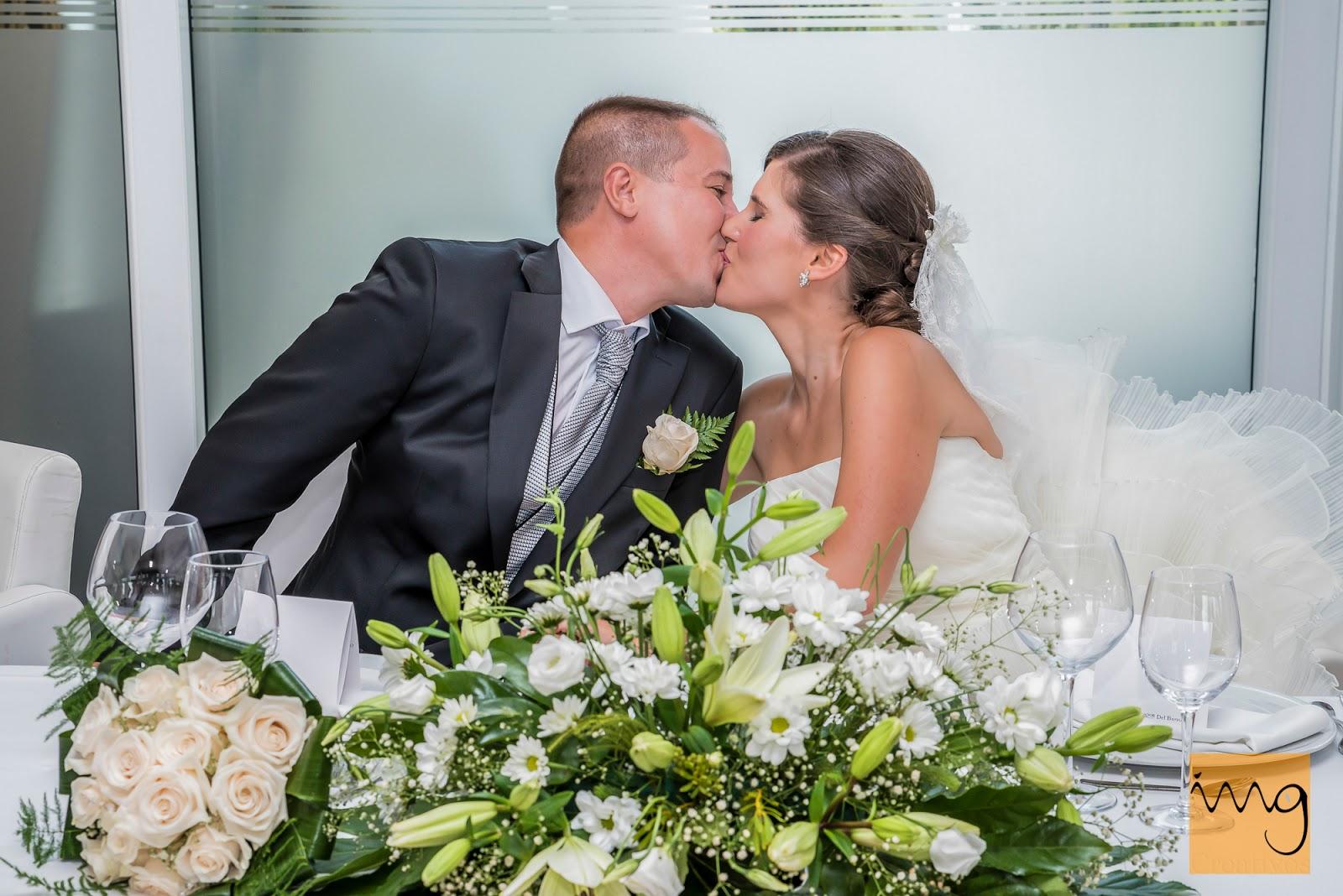 Fotografía del beso de bienvenida