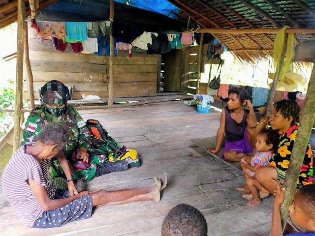 TNI Ciptakan Hubungan Harmonis Dengan Warga Perbatasan Papua Melalui Anjangsana