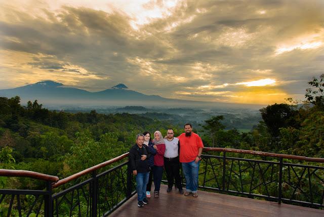 Spot Wisata Sunrise Terbaik Di Magelang - Sunrise di Punthuk Setumbu, Magelang