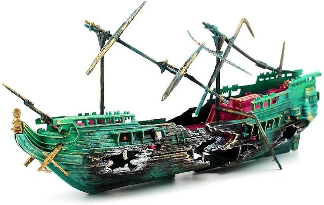 Sunken-Galleon-Shipwreck-Aquarium-ship