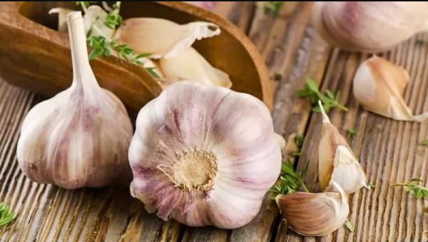 الثوم - نكهة قوية.. وفوائد متعددة ومذهلة تعرف عليها الآن