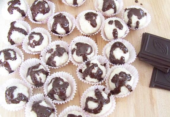 Kokosowe kulki Paleo - zdrowy deser bez cukru