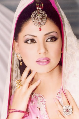 top 10 popular beauty parlors for brides in pakistan