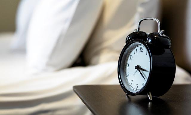 أربع وصفات منزلية طبيعية تخلصك من الأرق