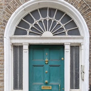 Green Dublin Door on Mount Street Upper