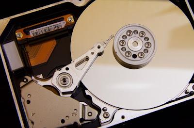 merawat hardisk laptop