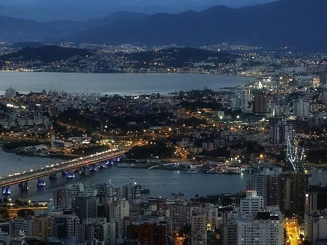Pontes de Florianópolis vistas do Morro da Cruz
