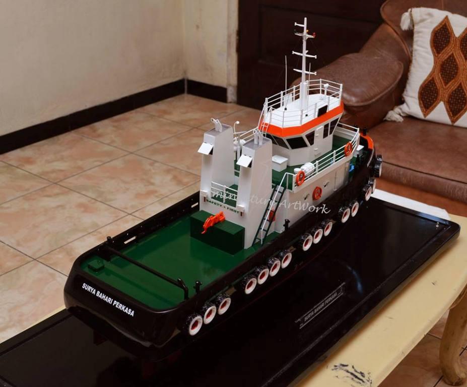 pembuat souvenir maket miniatur kapal tugboat milik pelayaran pt surya bahari perkasa rumpun art work planet kapal jakarta indonesia