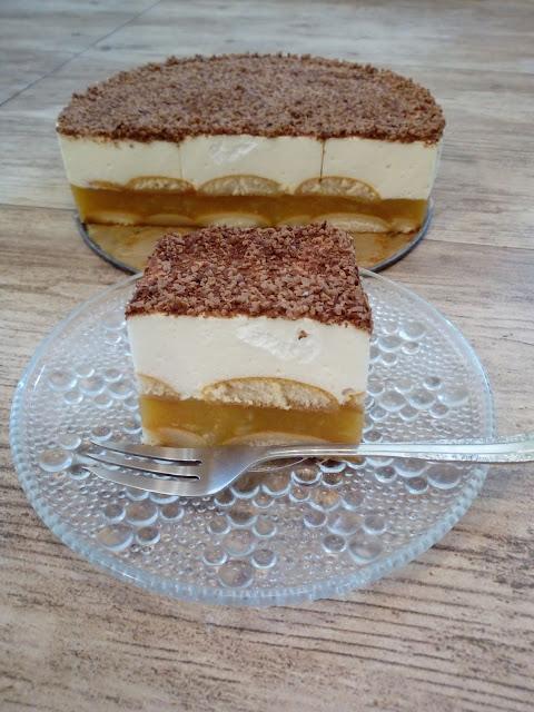 sniezka jablkowa szarlotka na zimno szarlotka bez pieczenia jablecznik bez pieczenia szarlotka krolewska szarlotka z czekolada ciasto ze sniezka ciasto na zimno ciasto na biszkoptach