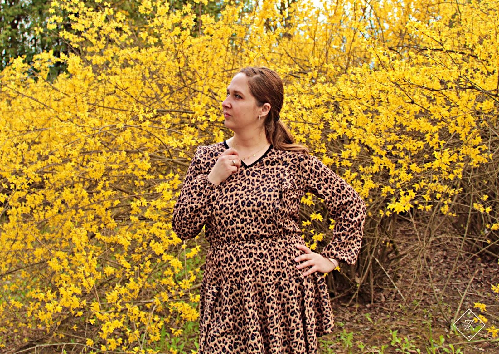 Sukienka rozkloszowana w panterkę MOSQUITO