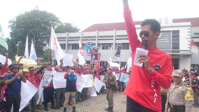 May day, 15 Tuntutan Yang Diajukan Oleh KPBI