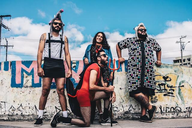 Dona Iracema apresenta seu caatincore desafiador no plural disco Balbúrdia