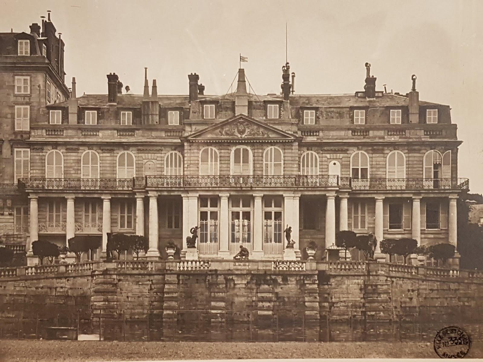 Les derniers feux du palais de Saint-Cloud   Visites Les Paris DLD :  Visites à Paris, Livres, Expositions