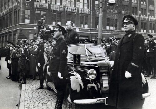 9 November 1940 worldwartwo.filminspector.com WA Dutch Fascists