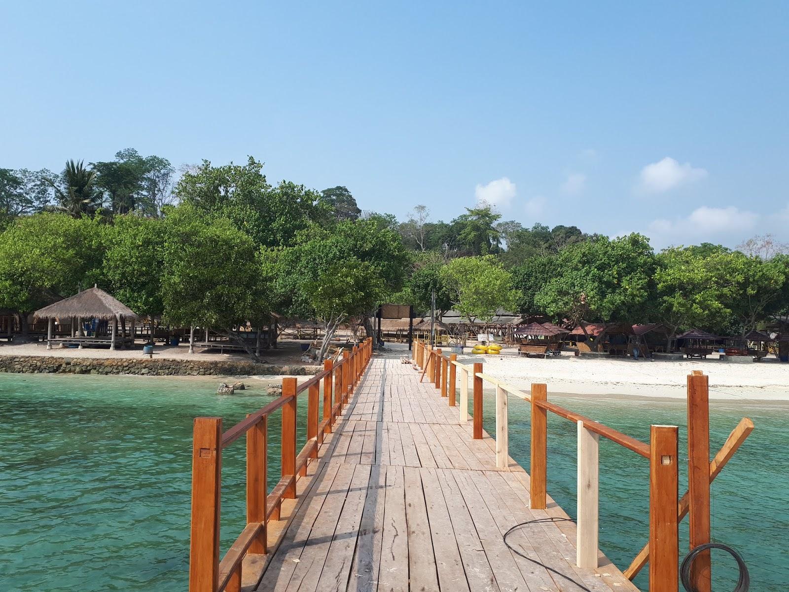 Wisata Pantai Mutun Lampung