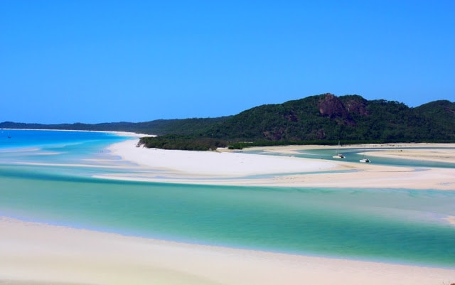 places to visit Whitehaven Beach