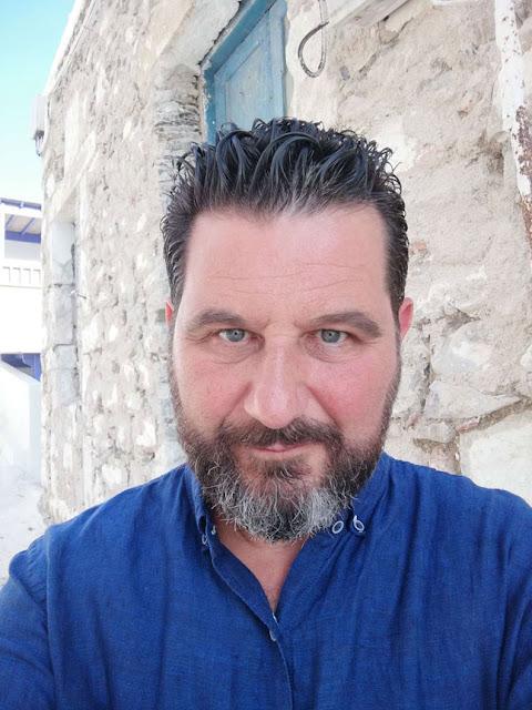 Ο αποκρυπτογράφος των τοιχογραφιών στην Αρχαία Θήρα, την Κνωσό και τις Μυκήνες