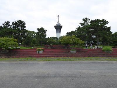 鶴見緑地展望塔『いのちの塔』