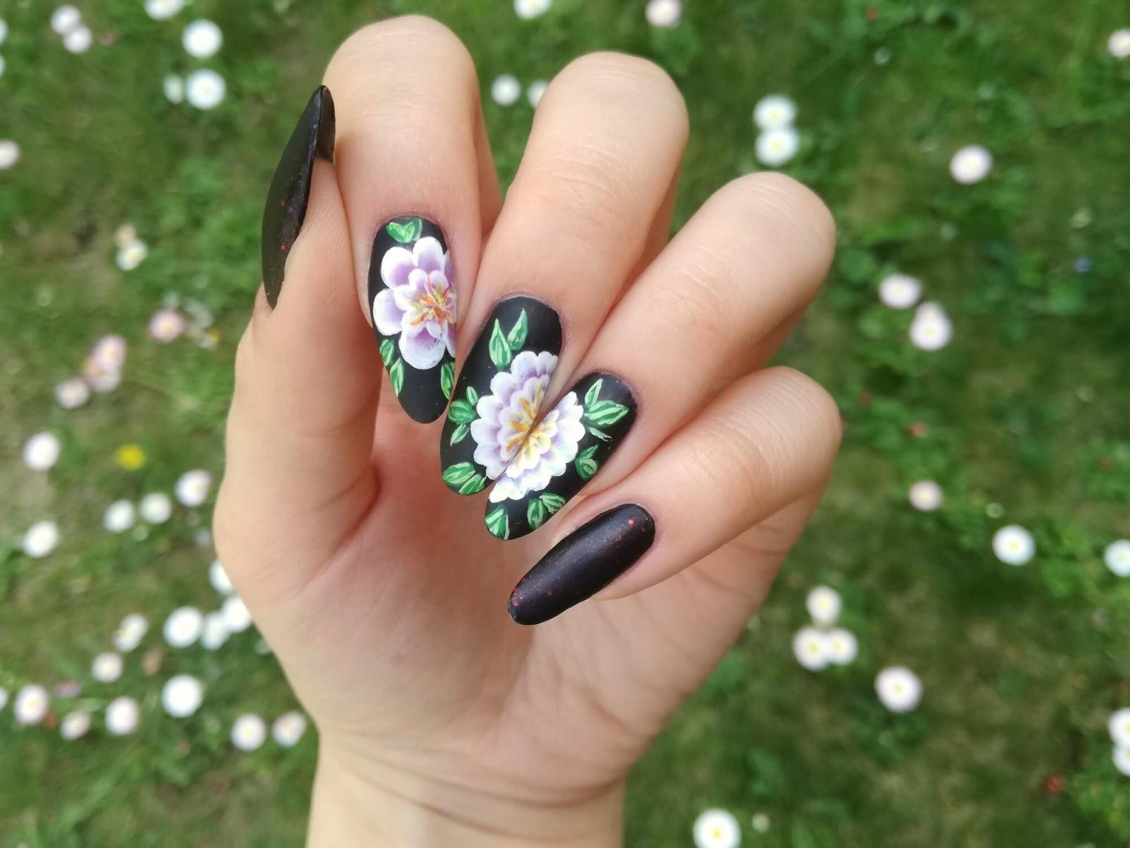 kwiaty one stroke na paznokciach