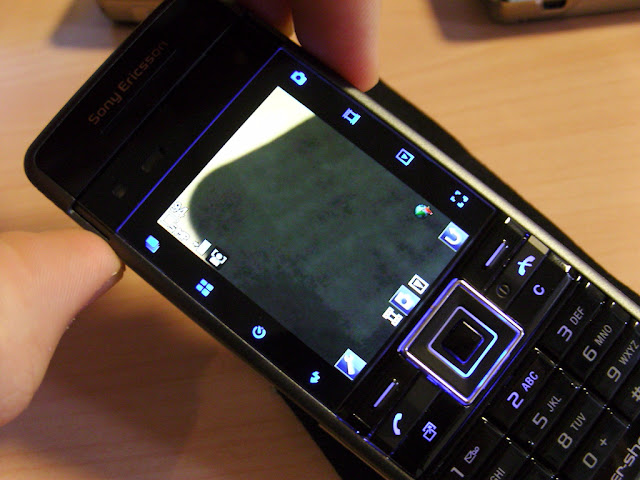 Điện thoại Sony Ericsson C902_2
