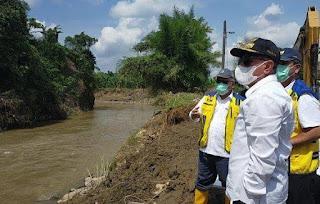 Tinjau Lokasi Banjir Tanjung Selamat, Menteri PUPR Basuki Berjanji akan Segera Memperbaiki Sungai