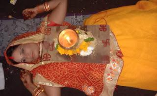 देवी की भक्ति में महिला के सीने पर 9 दिन तक जलेगी अखंड ज्योति