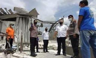 Polisi selidiki penyembak meledaknya tabung raksasa milik PT Bajasarana Sejahtera