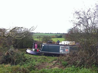 055388e32 The Real Life of a Narrowboat Wife  2011