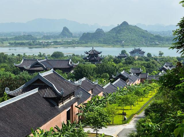 """Câu hỏi """"Bao giờ lấy chồng?"""" đã được giải đáp ở ngôi chùa lớn nhất Đông Nam Á"""