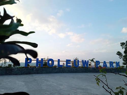 Pholeuw Park, Taman Indah Pinggir Danau Sentani